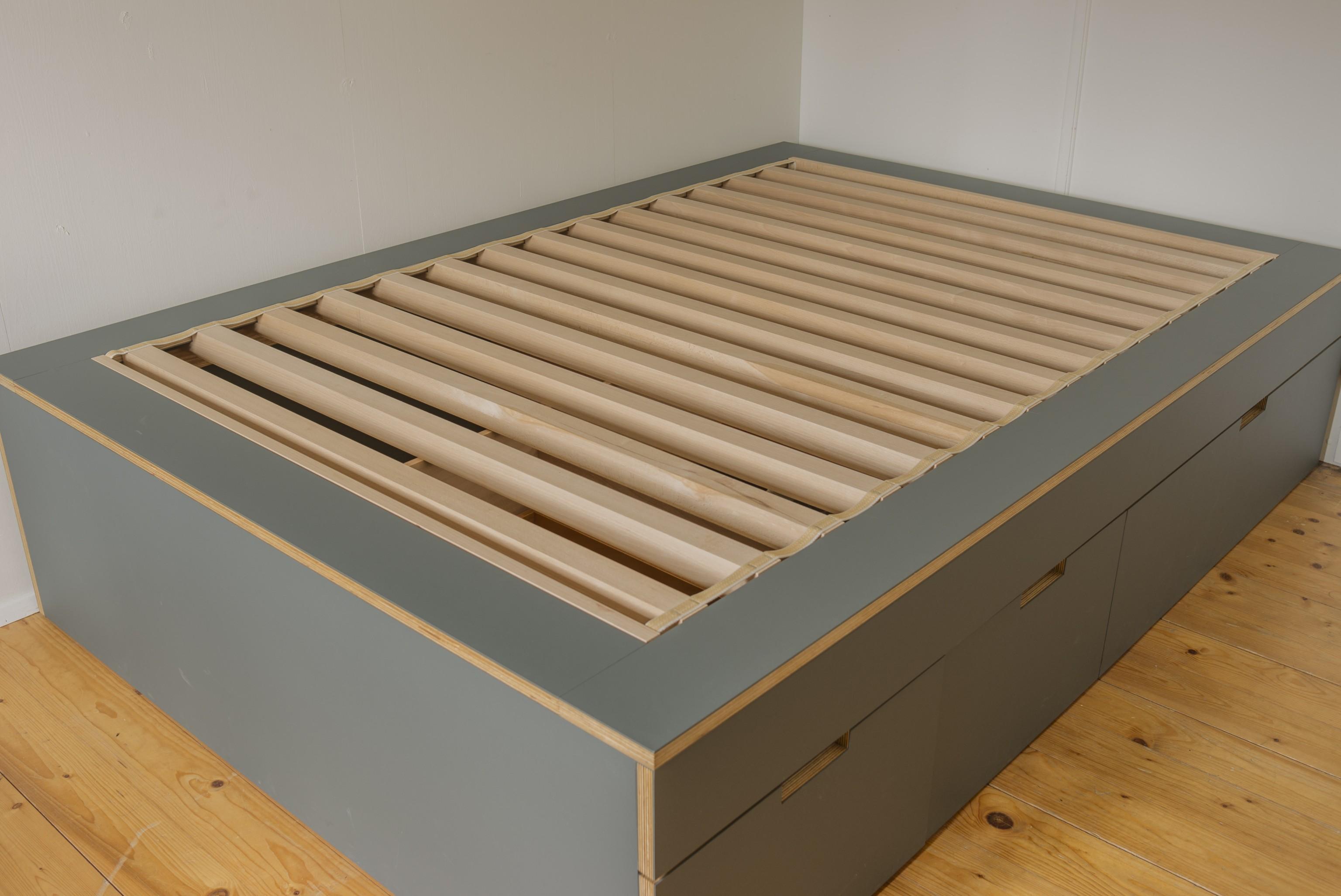 kastenbett mit schublade aus linoleum belegtem sperrholz